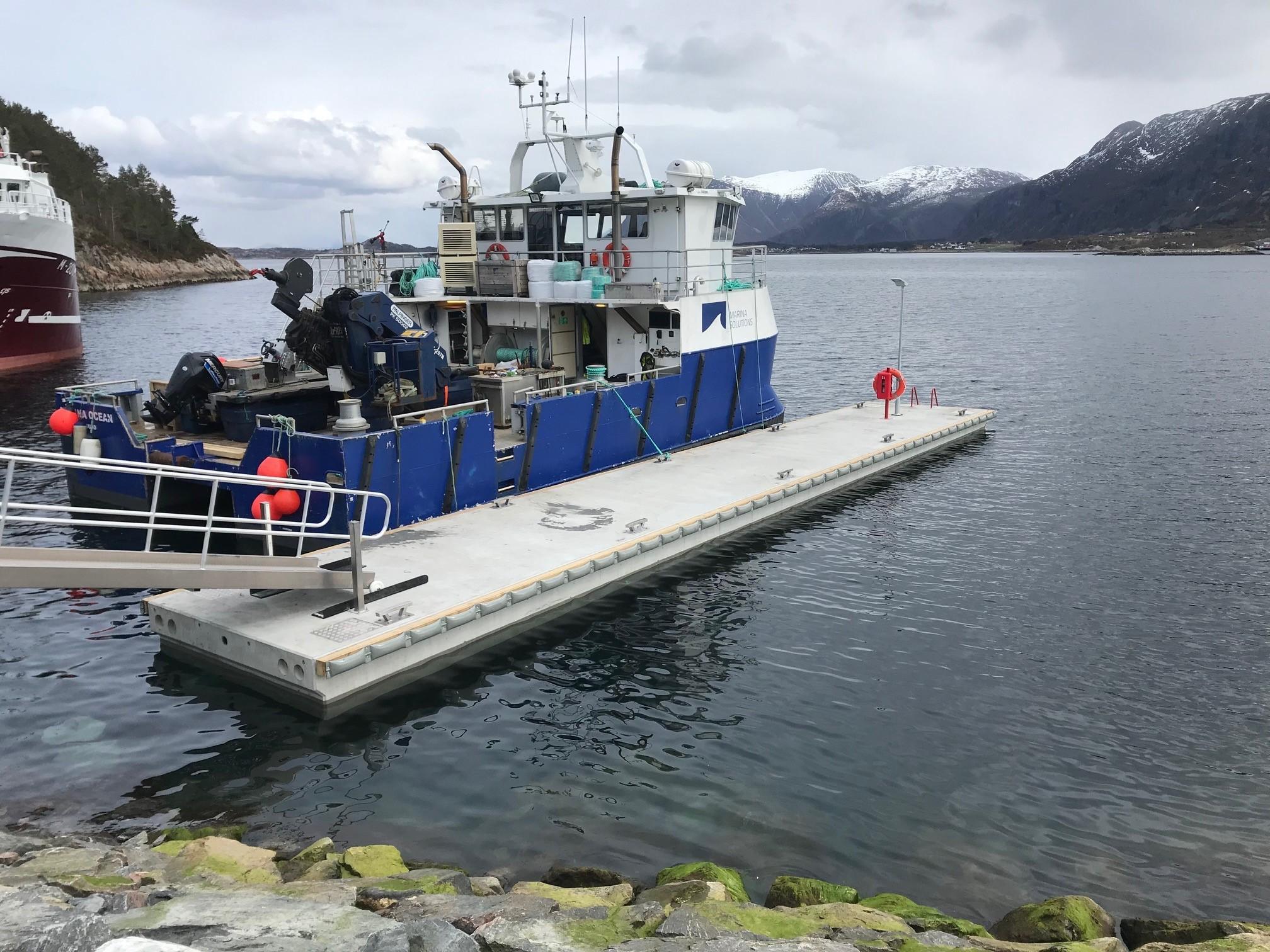 https://marinasolutions.no/uploads/Brygge-Silver-Seafood-og-parma-fender-2.jpg