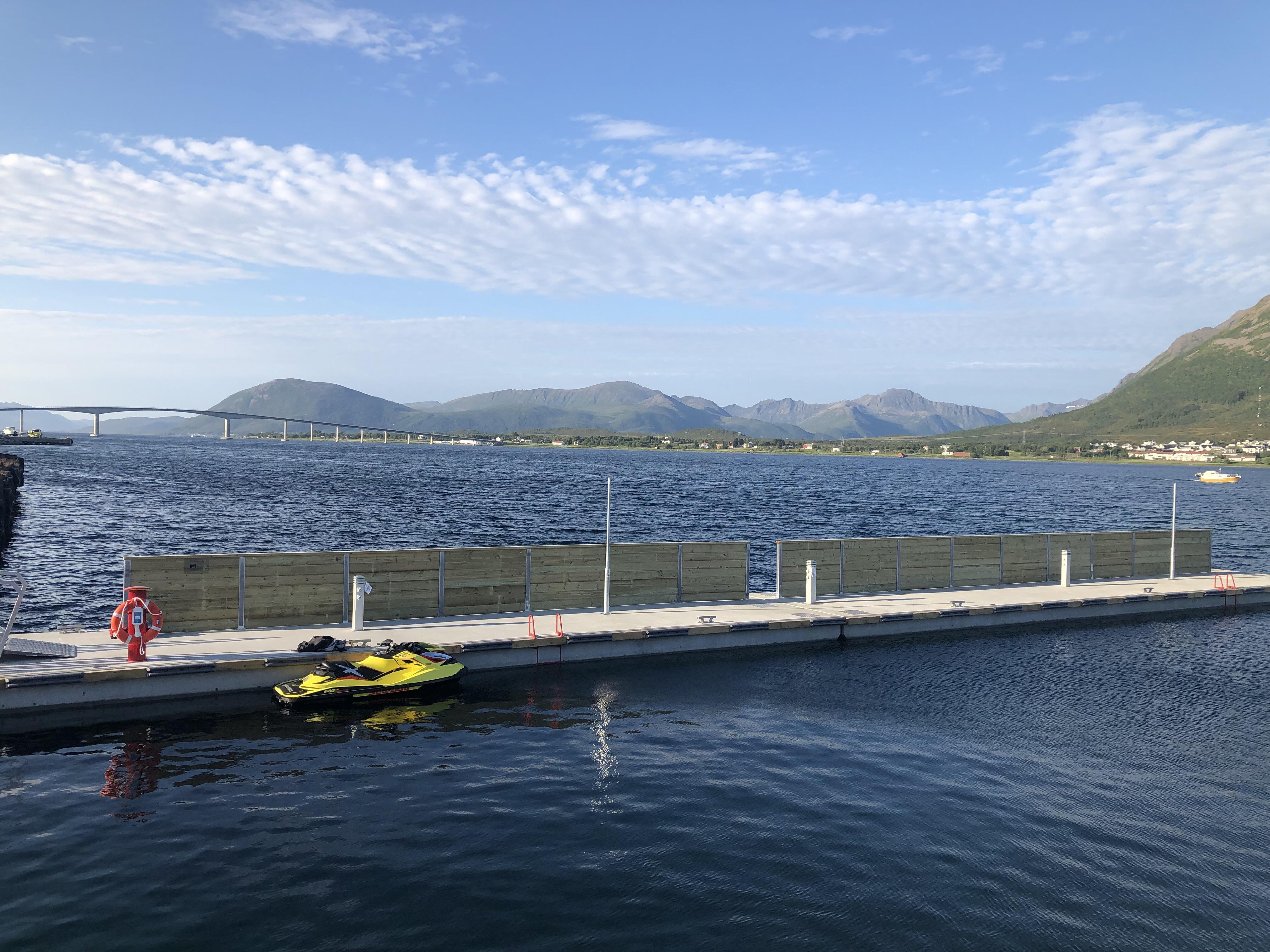 https://marinasolutions.no/uploads/Flytebrygger-Sortland-Torghuken-2.JPG