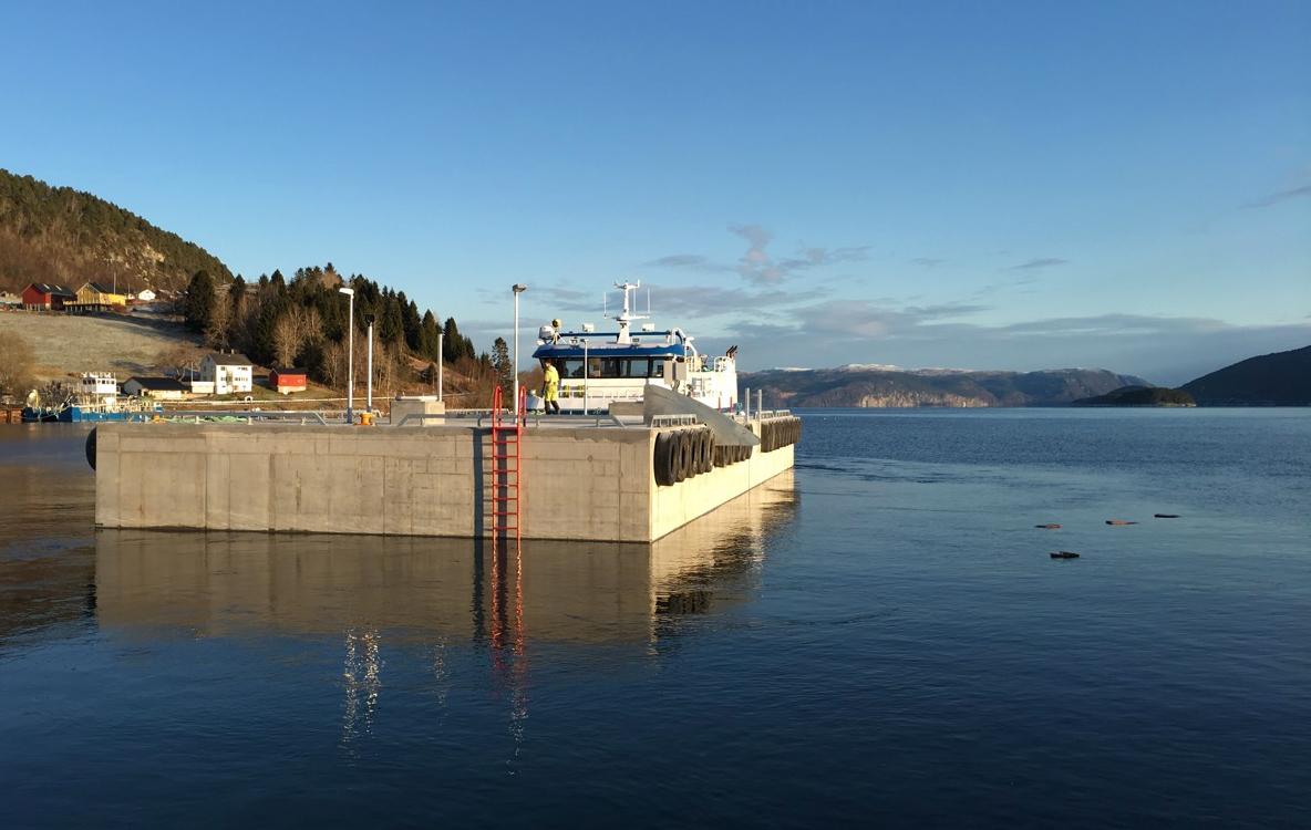https://marinasolutions.no/uploads/Flytekai-levert-av-Marina-Solutions-AS-til-Laksefjord-AS.jpg