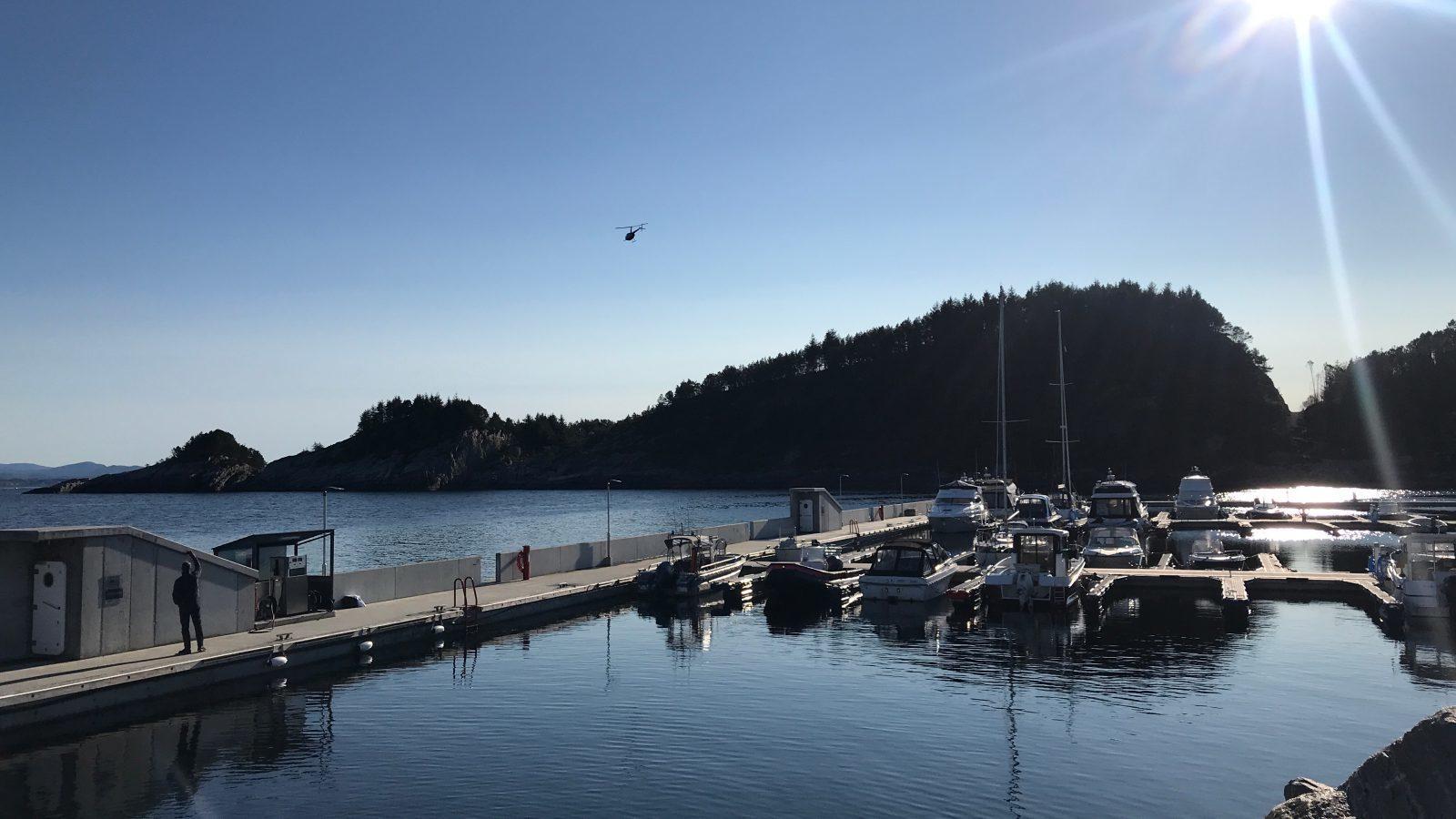 https://www.marinasolutions.no/uploads/Flytemolo_rennebrygger_landgang-Hjeltefjorden-Båtlag-og-Gjestehavn-110.jpg