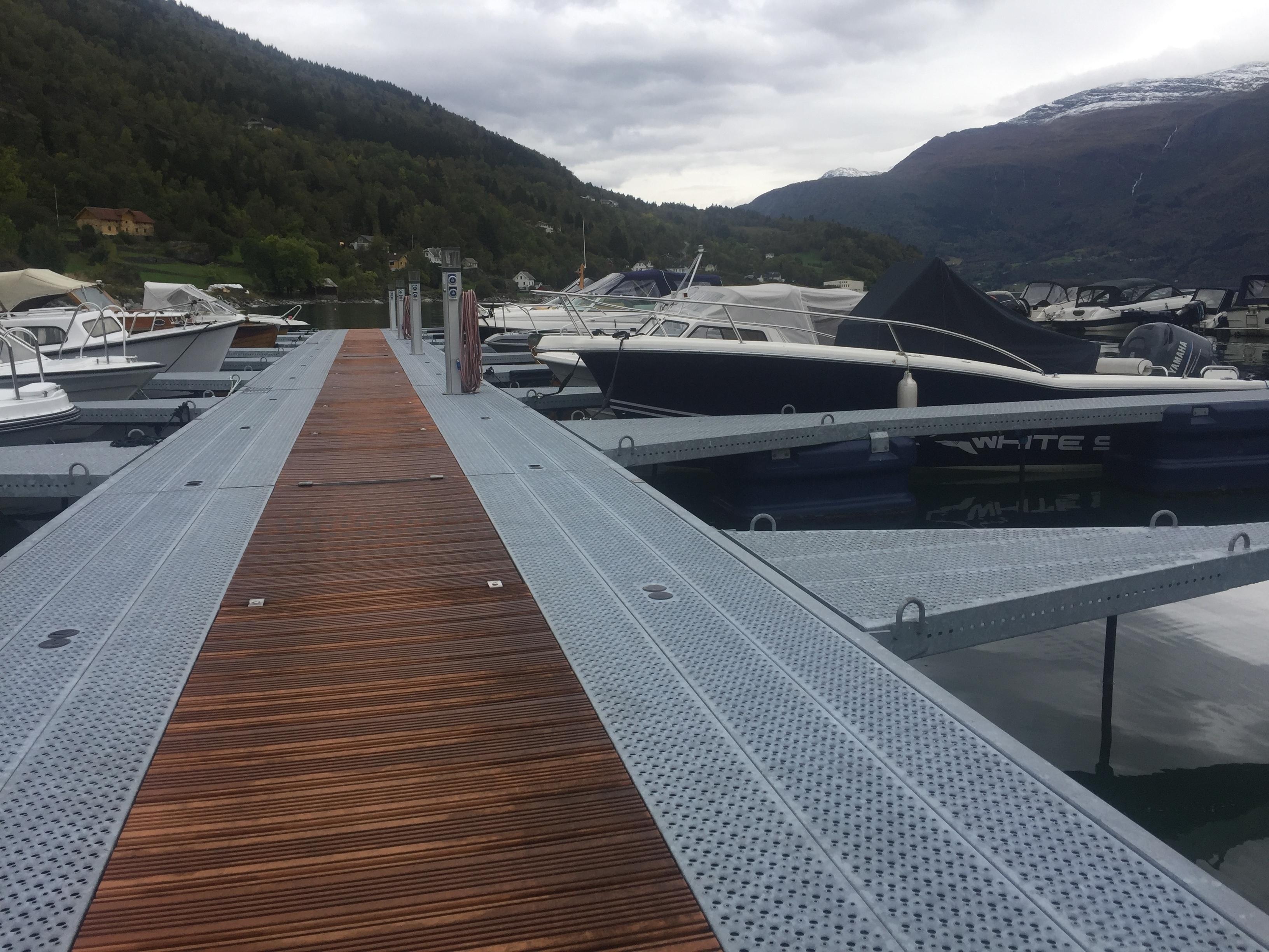 https://marinasolutions.no/uploads/Høyheimsvik-Båtlag_Luster_09-7.JPG
