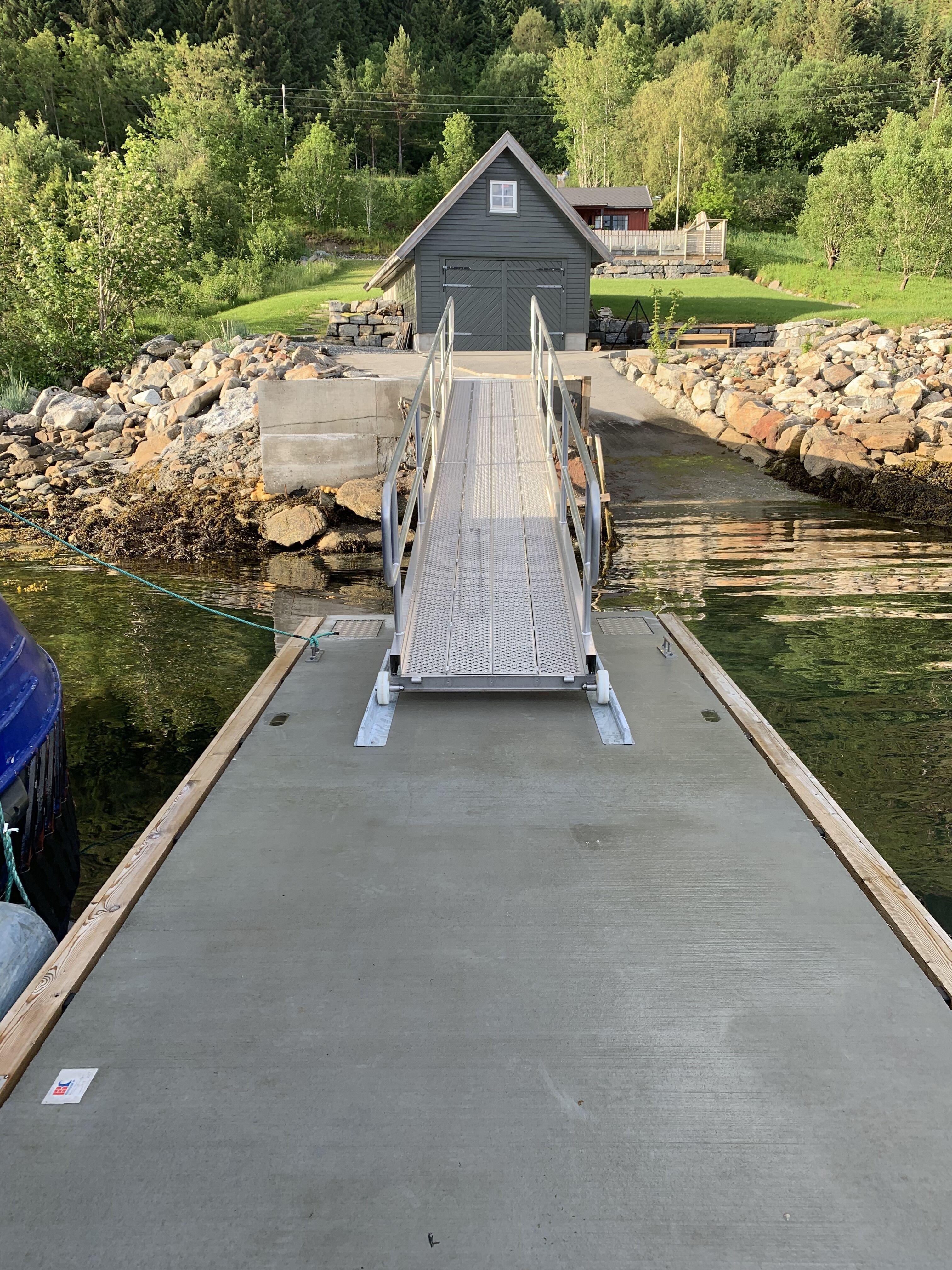 https://marinasolutions.no/uploads/Haugsbygda-Gursken-Larsnes-landstedsbrygge-Marina-Ocean-2.jpeg
