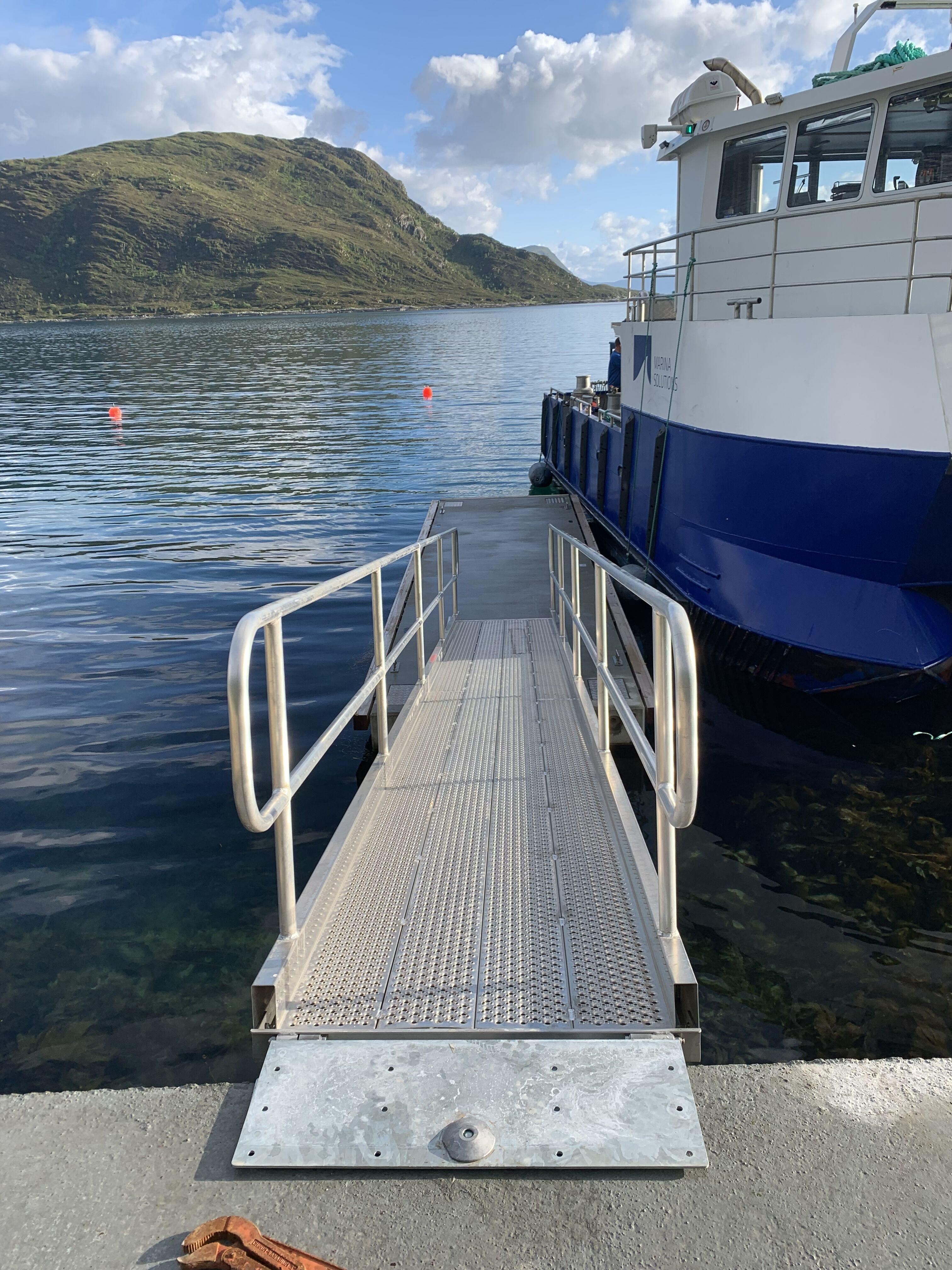 https://marinasolutions.no/uploads/Haugsbygda-Gursken-Larsnes-landstedsbrygge-Marina-Ocean-landgang.jpeg