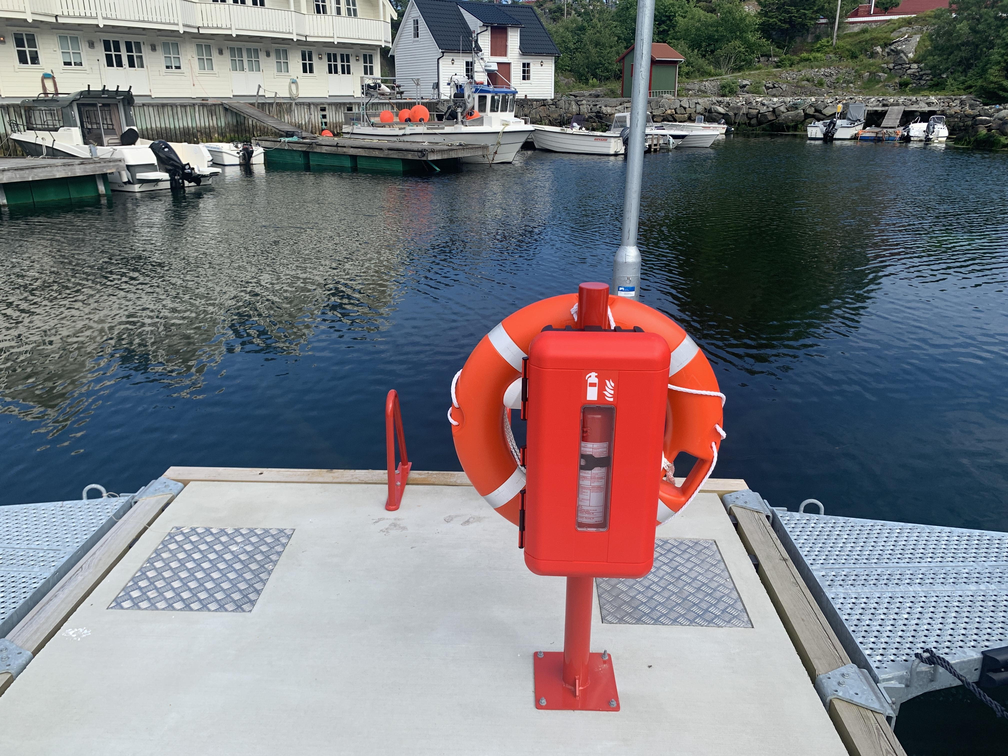 https://marinasolutions.no/uploads/Rabben-båtlag_-Marina-levert-av-Marina-Solutions_Etnebrygga-7.JPG