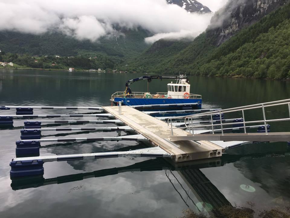 https://marinasolutions.no/uploads/Sætre-Gard-AS_Rennebrygge-1.jpg