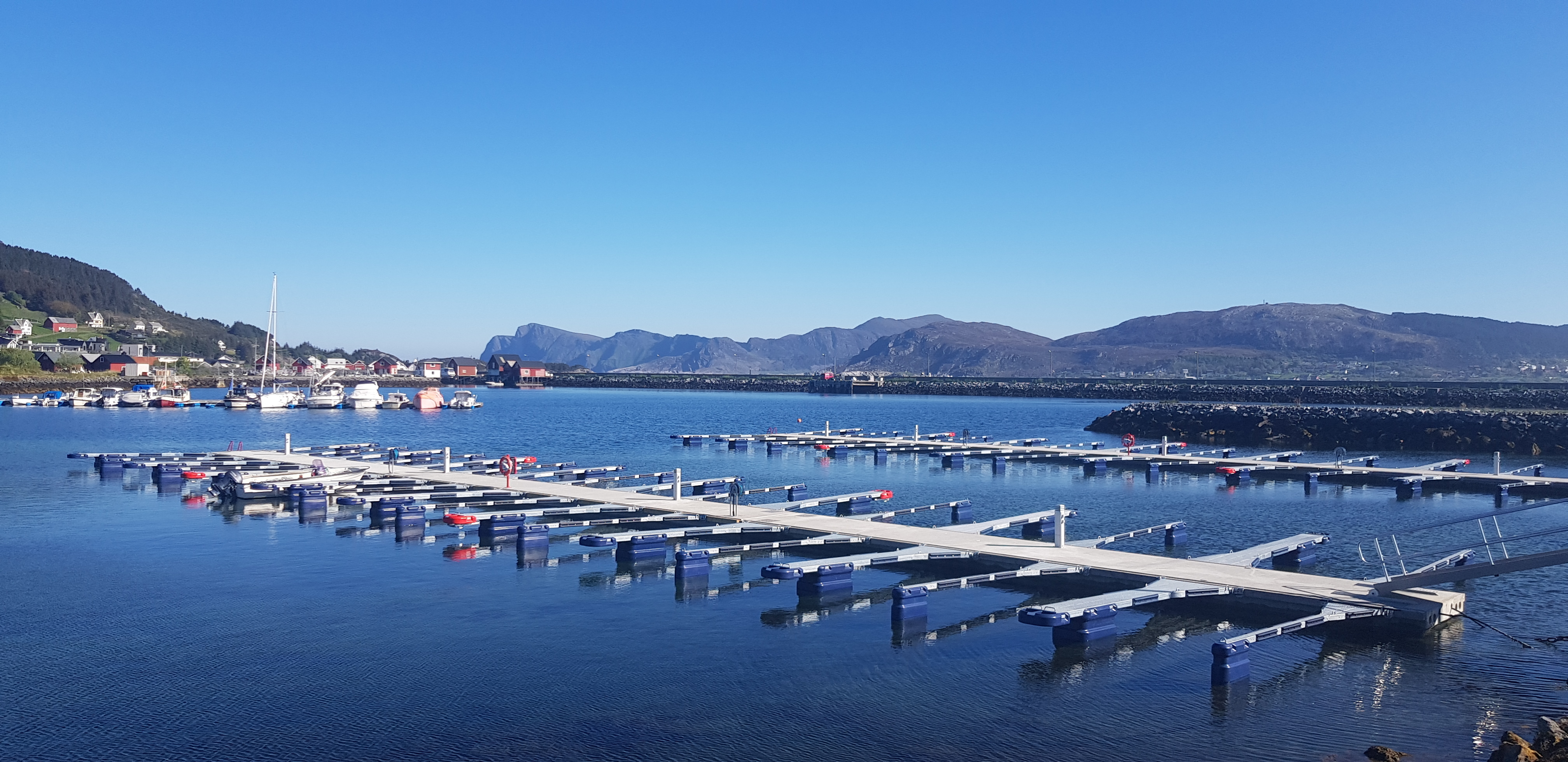 https://marinasolutions.no/uploads/Søre-Vaulen-småbåtlag-foto-John-Dagfinn-Frøystad-2.jpg