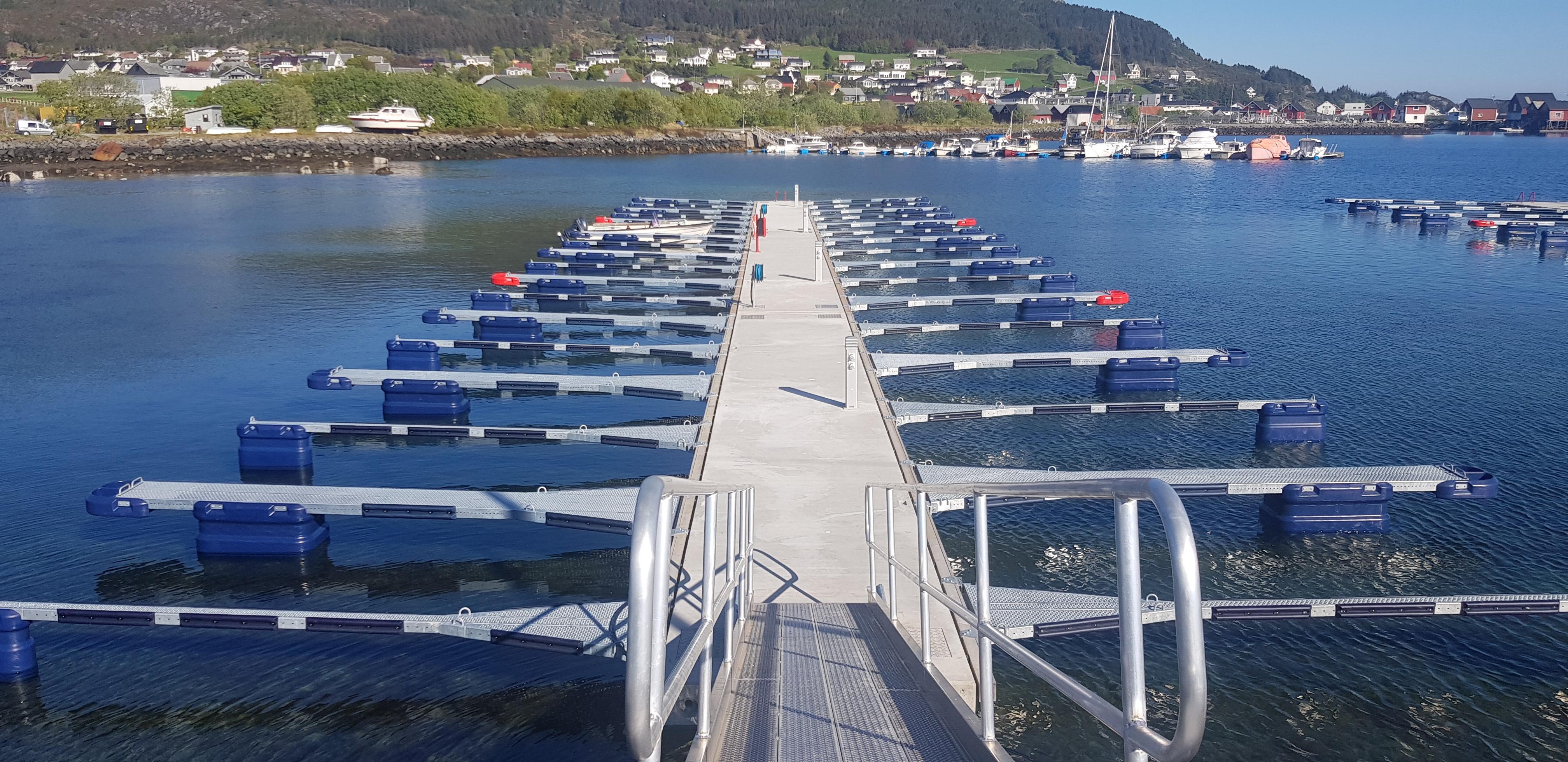 https://marinasolutions.no/uploads/Søre-Vaulen-småbåtlag-foto-John-Dagfinn-Frøystad-3_2021-06-03-103836.jpg