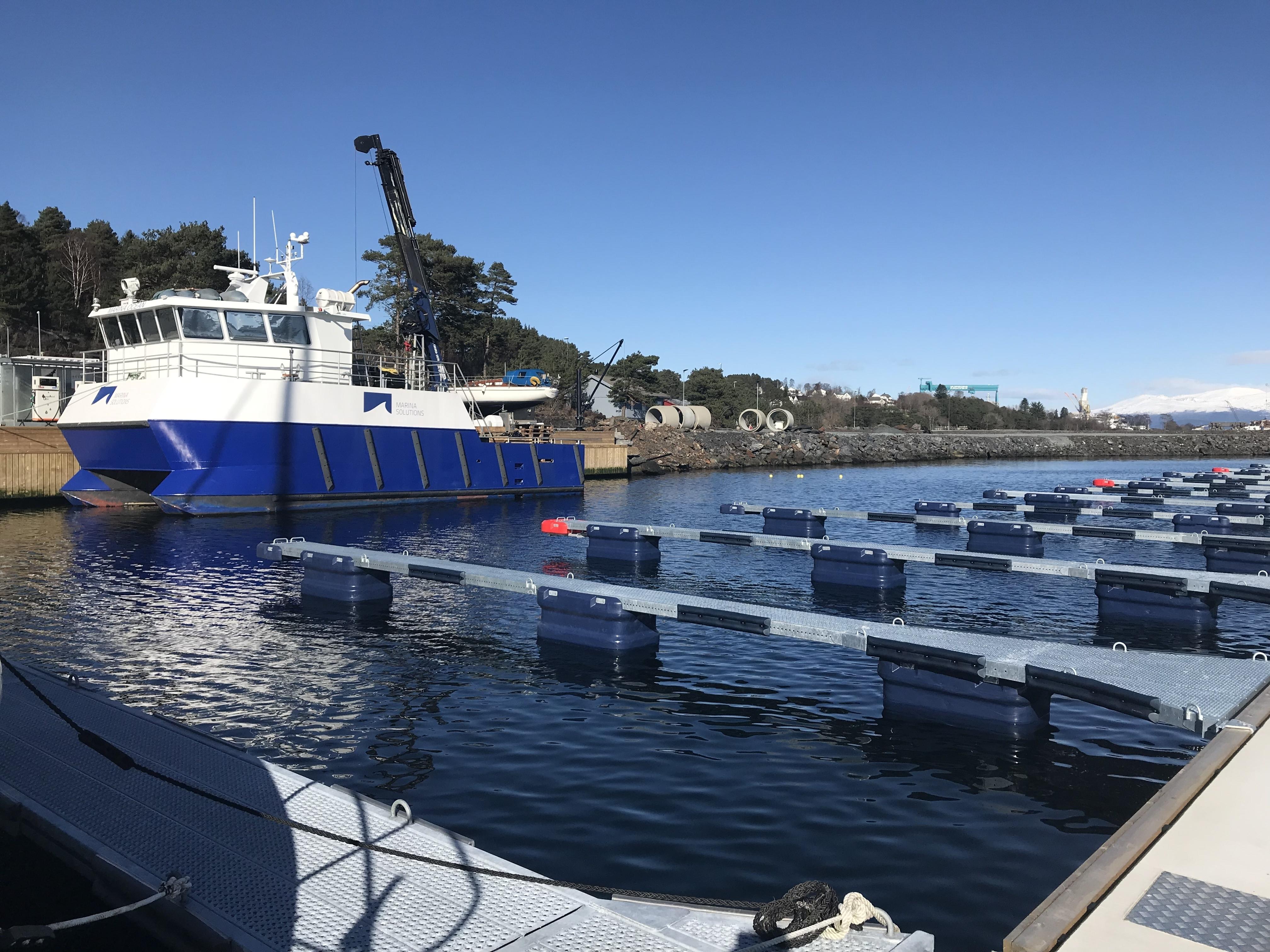 https://www.marinasolutions.no/uploads/Skjersholmane-båthavn-forlengelse-tallykey-marina-solutions-fenderlister-betongbrygger-5.jpg