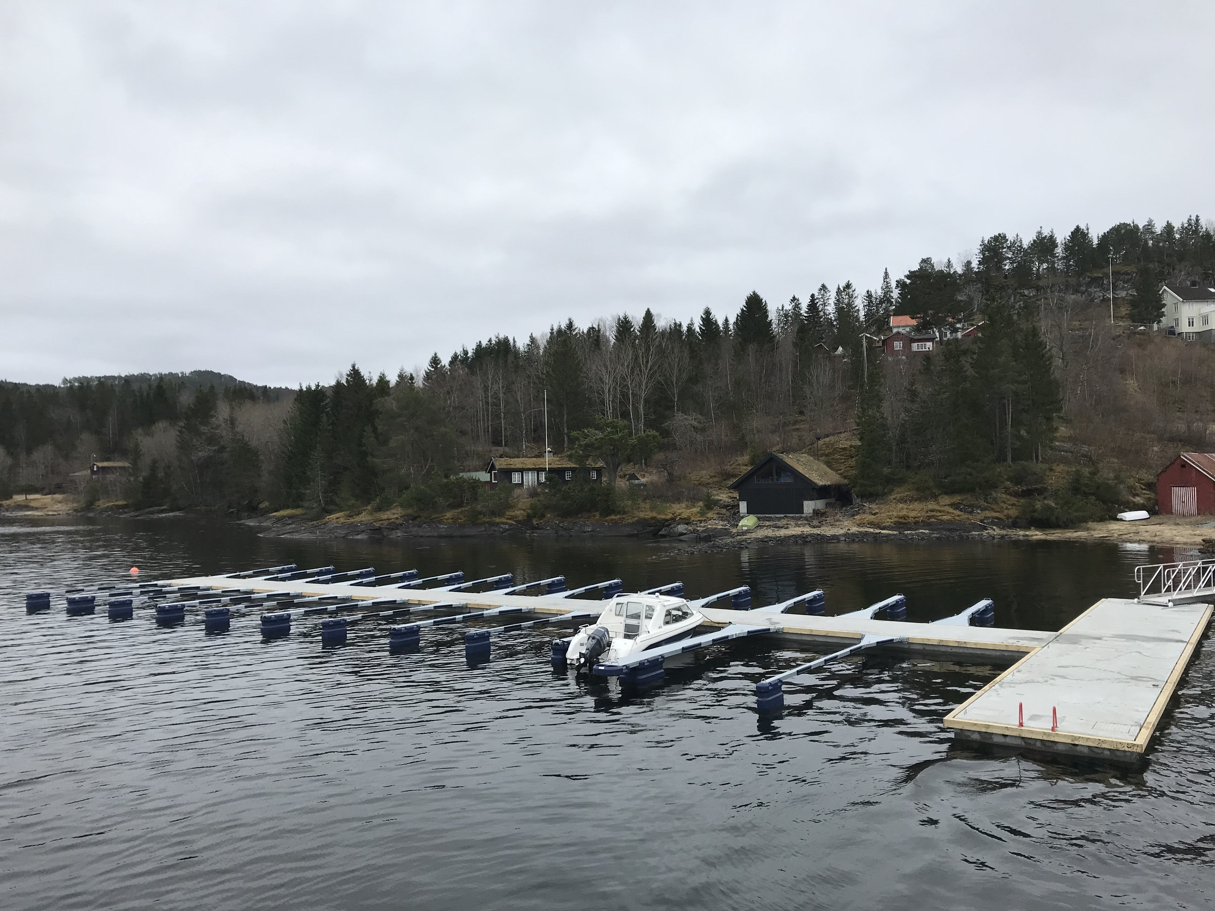 https://marinasolutions.no/uploads/Undli-Kai-Bryggeforening_Åsenfjord-9.jpg