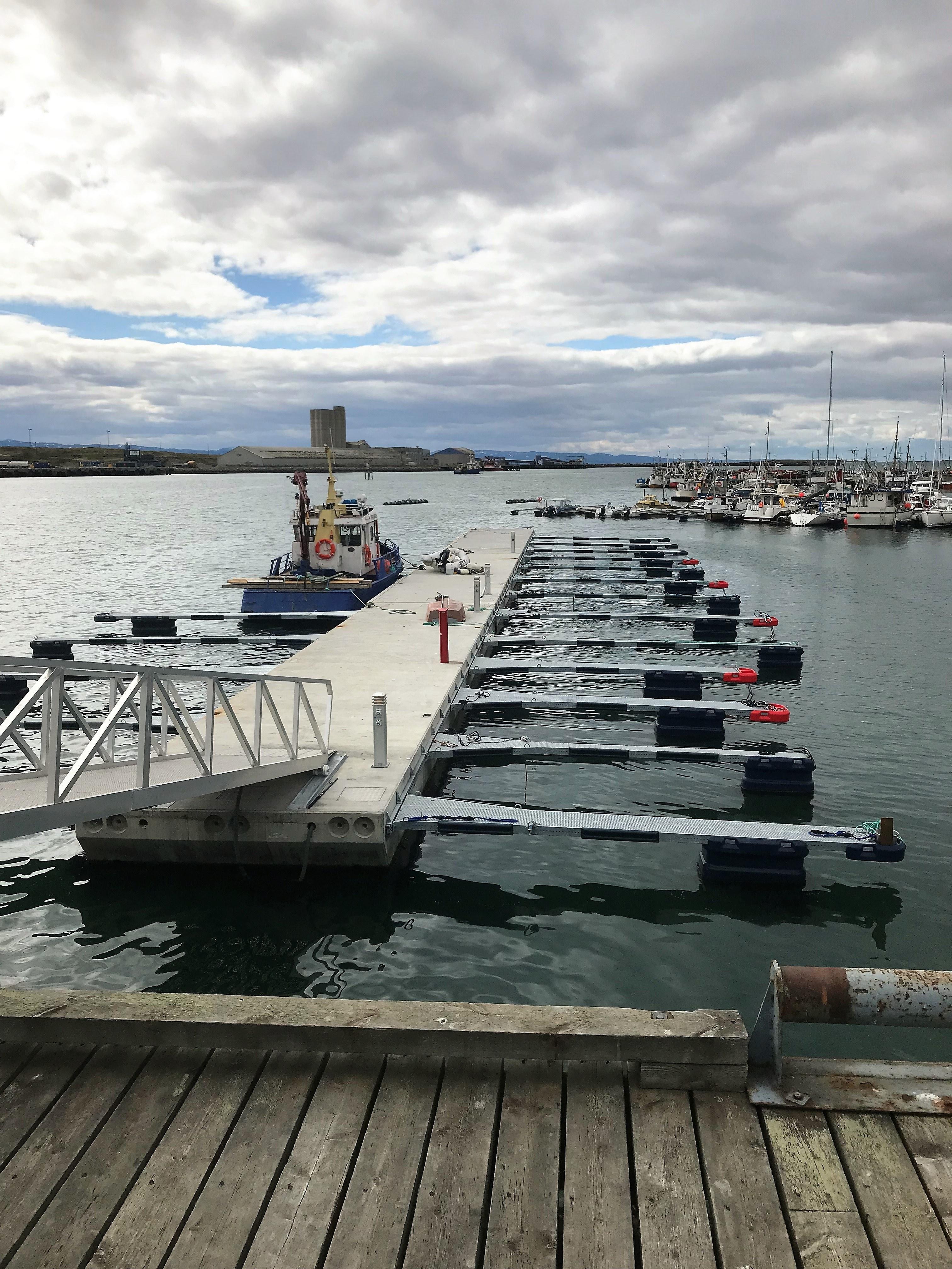 https://marinasolutions.no/uploads/Vadsø-Indre-Havn-Marina-Solutions.jpg