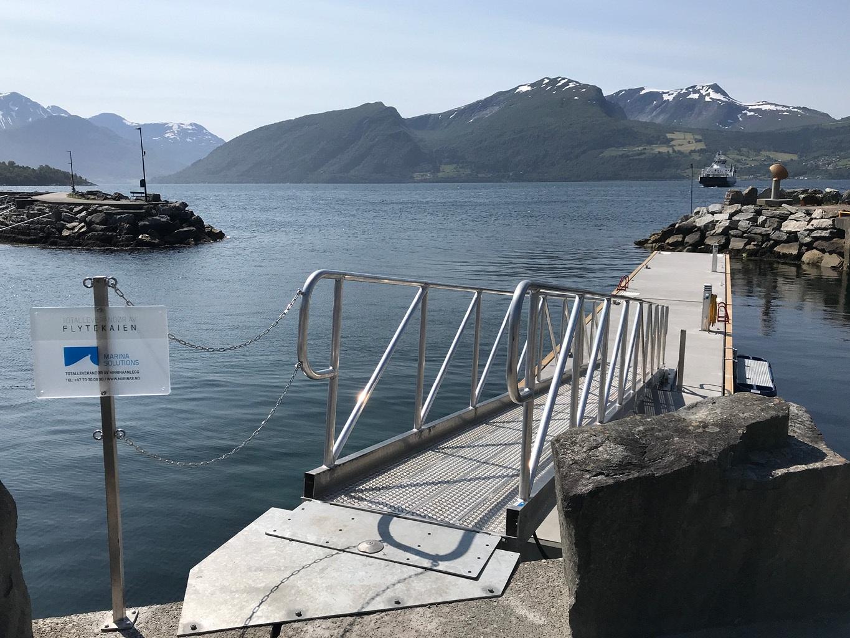 https://marinasolutions.no/uploads/Volda-gjestehamn_betongbrygger-Marina-Solutions.jpg